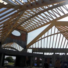 budowa z drewna klejonego